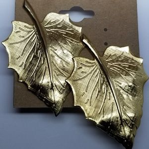 Monet Gold Leaf Ladies Earrings 204